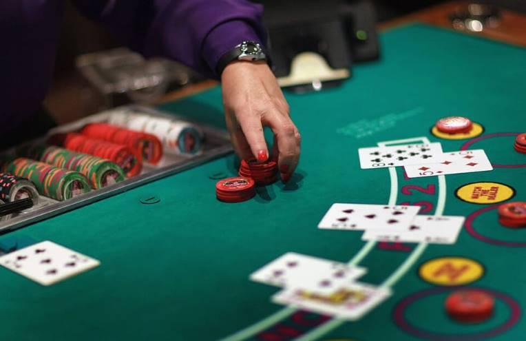 Explore Permainan Judi Meja Yang Ada Di Live Casino
